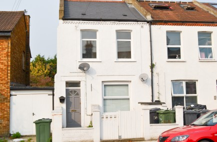 Stunning Two Bedroom Flat  at Danbrook Rd, London SW16 5JX, UK for 350000